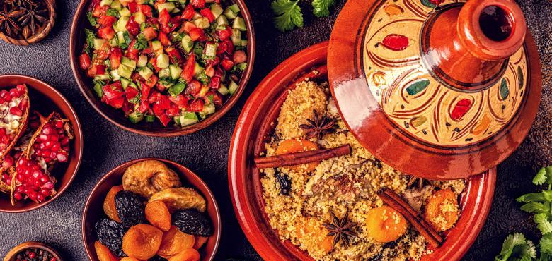 Als alleenstaande moeder van vijf, had Latifa flexibiliteit nodig om te kunnen werken en tegelijkertijd voor haar gezin te zorgen, dus besloot ze om haar eigen bedrijfje te starten in het maken van Marokkaanse delicatessen